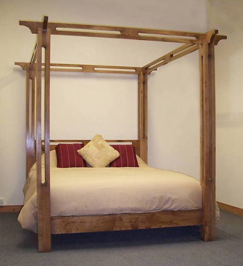 Open Canopy Link Bed