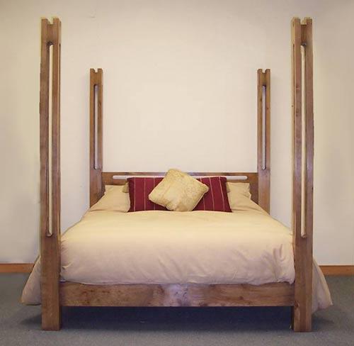 Link Pencil Post Bed