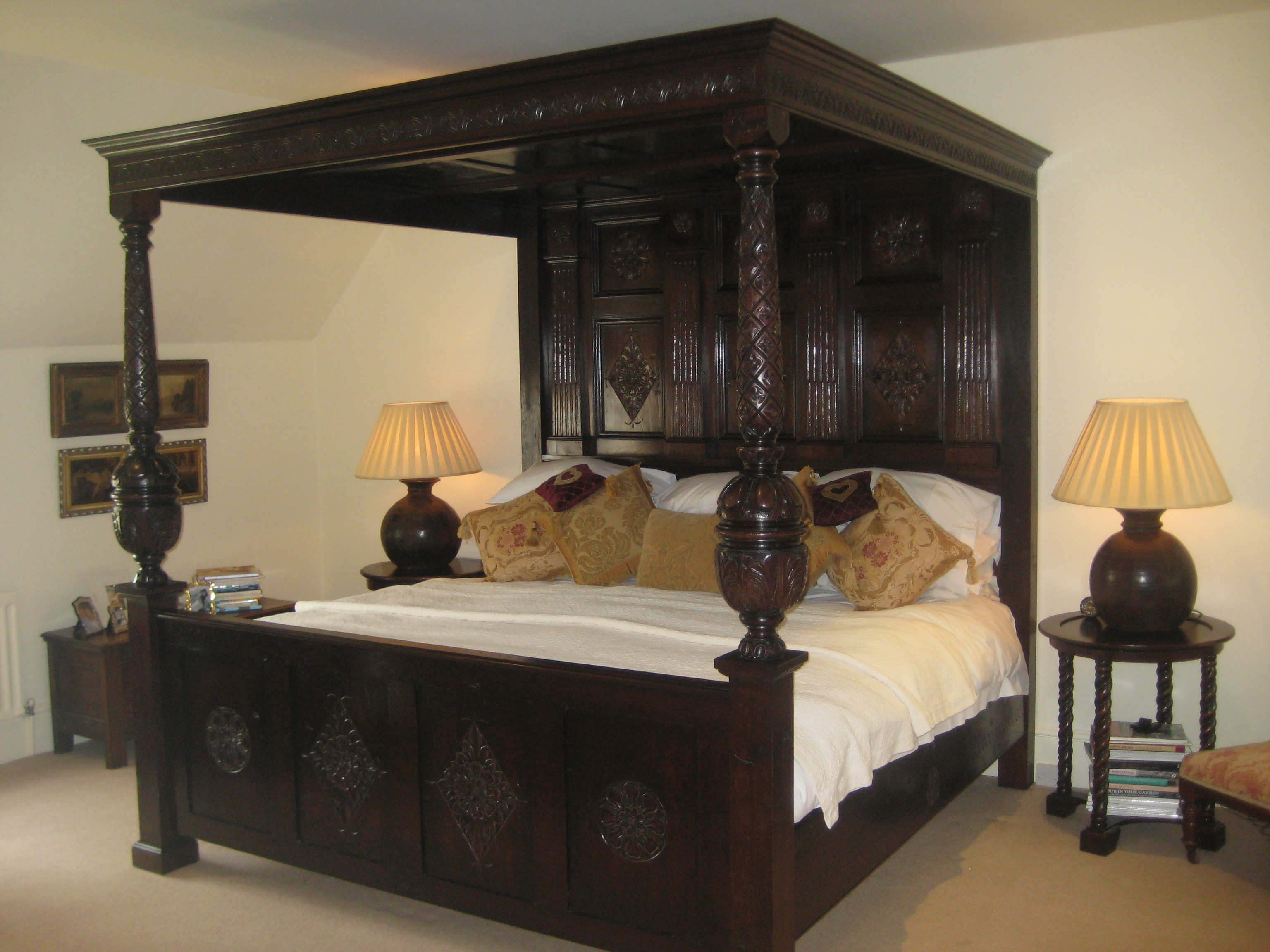 Carved Oak Richard IV Canopy Bed