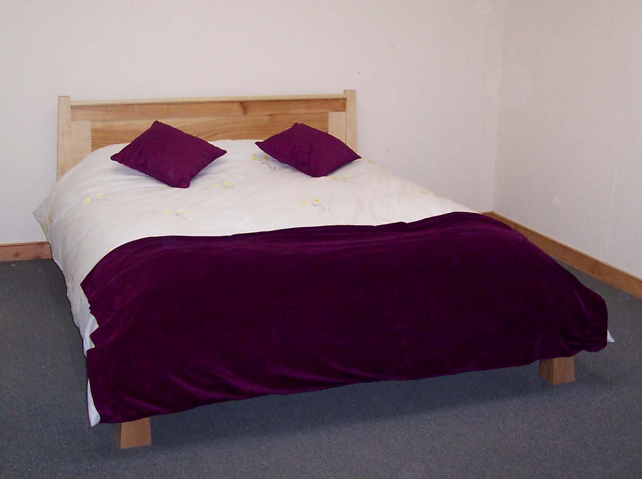 Low Ash Bed - Purple Covers